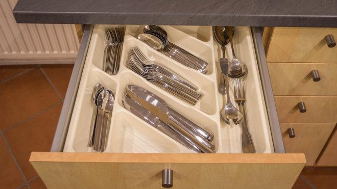 Ausstattung Küche - einheitliches Besteck